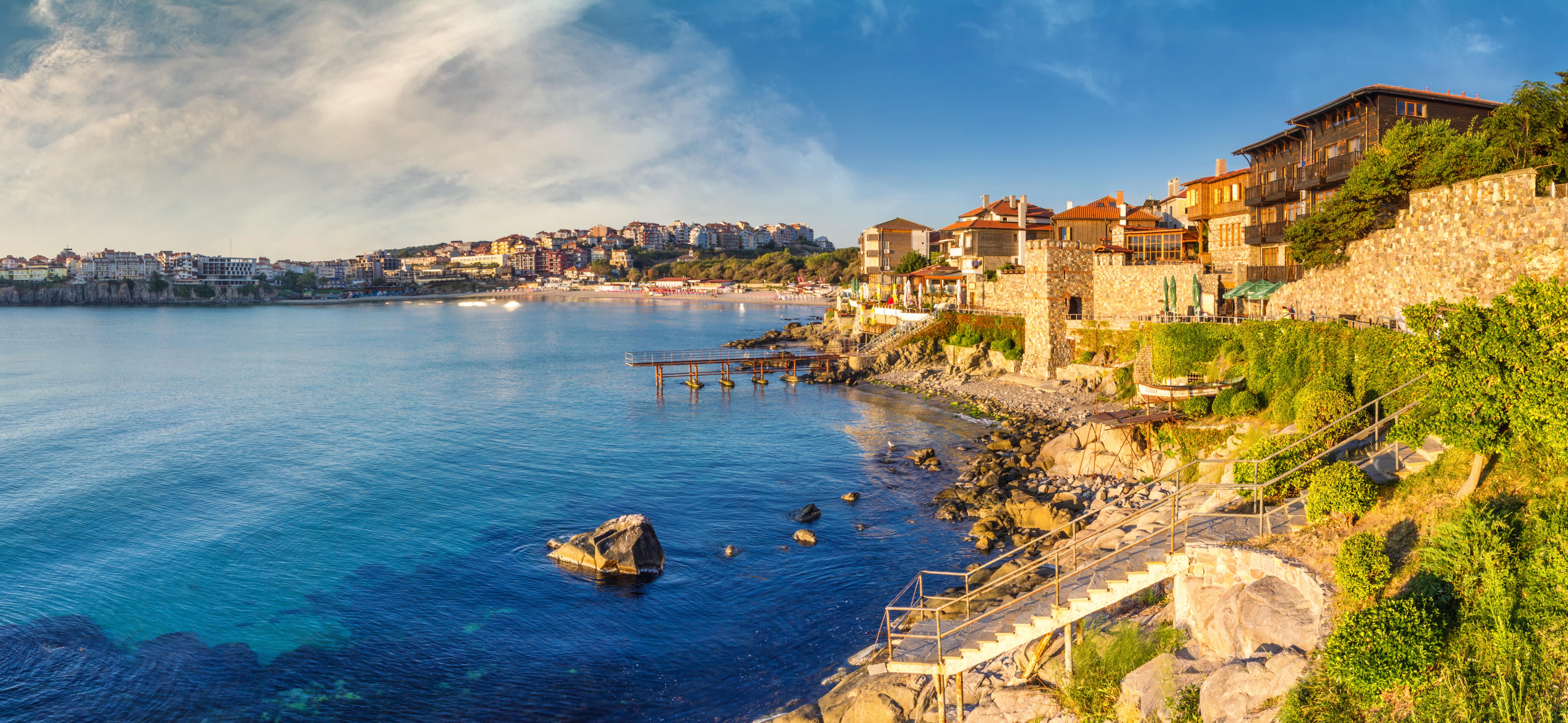 Дом на берегу моря как преимущество репатриации в Болгарию